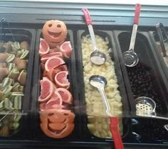 School Meals That Rock believes that many school kitchens find small ways to have fun with food. Fun for staff and fun kids ... and ways to merchandise items to customers. This salad bar from Joe Shoemaker School is an example. We want to know ... what do you think about #FoodArt in #SchoolMeals?