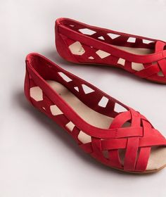 KAUF DICH GLÜCKLICH Carla Sandale rot Ballerinas, Sneaker, Flats, Shopping, Shoes, Fashion, Red Sandals, Shoes Women, Suede Fabric
