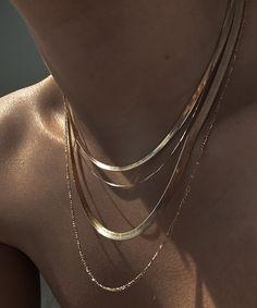 Leros Herringbone Chain | Nejim Dainty Jewelry, Cute Jewelry, Boho Jewelry, Antique Jewelry, Jewelery, Dainty Gold Jewelry, Golden Jewelry, Gold Jewellery, Kids Jewelry