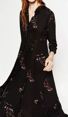 There's more than one good reson why you shoulder buy this floral graphic maxi dress. I will re-wear time and time again.