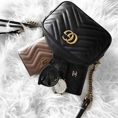 Gucci Chanel - Gucci Backpack - Ideas of Gucci Backpack - Gucci Chanel Gucci Purses, Gucci Handbags, Luxury Handbags, Purses And Handbags, Fashion Bags, Fashion Backpack, Women's Fashion, Fashion Clothes, Fashion Women