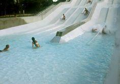 Plongez dans cet immense centre aqualudique ! © Aqualudia #visiteztoulouse #pool #toulouse #kids