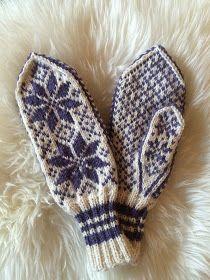 Til jul strikket jeg to par med selbuvotter etter   mønster fra boka Norsk småstrikk .   Begge parene er strikket i Mitu fra Rauma.   De er...