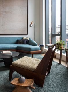 This Summer House Virtual Tour Is A Mid-Century Design Dream Come True (See Why) – Inspirations Wabi Sabi, Sofas Vintage, Art Design, Interior Design, Pierre Jeanneret, Downtown New York, Vogue Living, Japanese Interior, Mid Century Design