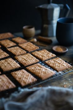 Vegan Speculaas Cookies (Dutch Spiced Cookies) by The Minimalist Vegan. Fragrant, crunchy cookie to create the magic of the holidays. Dutch Cookies, Spice Cookies, Dutch Recipes, Vegan Recipes, Vegan Christmas, Christmas Goodies, Christmas Recipes, Holiday Recipes, Chocolate Filling