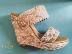 Sabyasachi to Louboutins Latest designer wedding shoes for Indian Brides Our Pre Curated Gallery of Latest designer wedding Shoes for Indian Brides. We have stunning Stilettos for Every Bride. You will find your perfect fit. Wedding Sandals For Bride, Wedding Wedges, Bridal Sandals, Bride Shoes, Latest Bridal Dresses, Silk Bangles, Bridal Bangles, Indian Shoes, Designer Wedding Shoes