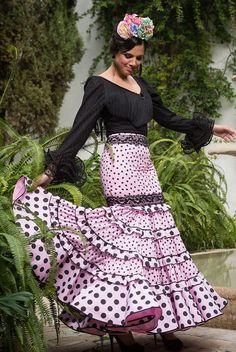 posicion volantes Flamenco Party, Flamenco Costume, Flamenco Skirt, Flamenco Dancers, Flamenco Dresses, Ganesh, Folk Fashion, Womens Fashion, Anniversary Dress