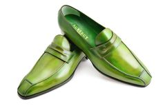 - Janus - Mocassin - Ligne mesure - Sur commande - Made to order… Hot Shoes, Men S Shoes, Formal Shoes, Casual Shoes, Mens Fashion Shoes, Men's Fashion, Fashion Styles, Fashion Tips, King Shoes