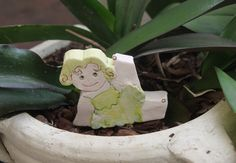 Dancer in pottery, fanny ornament in fire clay, green dancer, gift for her, ornament for living, ornaments for shelf,  characters  Allerim di allerimstudio su Etsy
