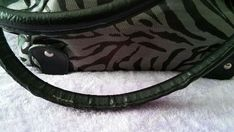 Womens Black and Gray Medium handbag purse pre-owned , Buttery Biscuits, Black And Grey, Gray, Purses, Medium, Best Deals, Bags, Women, Ash