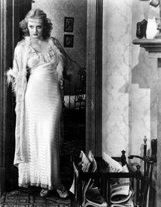Bette Davis in Of Human Bondage (John Cromwell, 1934).