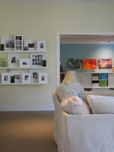 Thanks for the memories - how to display photos of family and friends. See more at: http://www.lmbinteriors.com/designer-tips/displaying-family-photos/ #familyandfriends #familyphotos #display #decorhints