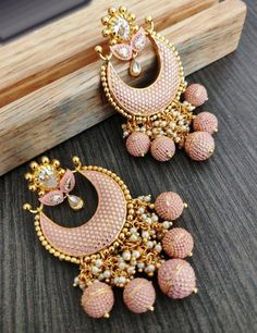 Buy online Pink Alloy Beads And Stone Earrings Online.Shop more Handloom Beads And Stone at Luxurionworld. Indian Bridal Jewelry Sets, Indian Jewelry Earrings, Jewelry Design Earrings, Ear Jewelry, Stone Earrings, Jewelery, Designer Earrings, Tikka Jewelry, Silver Jewelry