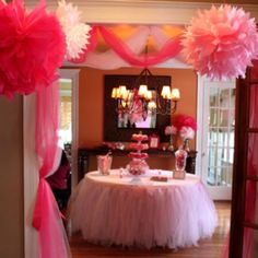 Little girls party or baby shower. luv the tulle table (found by Megan)