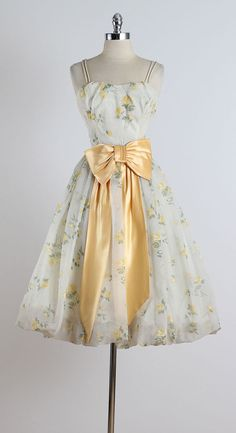 Golden Days . vintage 1950s dress . vintage by millstreetvintage