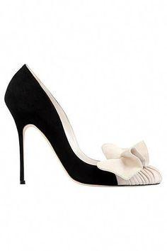 Shoe Du Jour - Manol