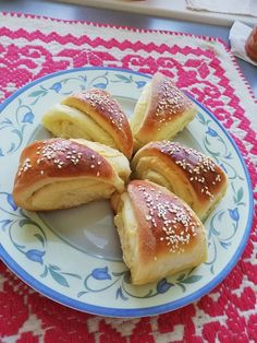 Hot Dog Buns, Hot Dogs, Food Art, Bread, Sweets, Cakes, Random, Desserts, Gastronomia