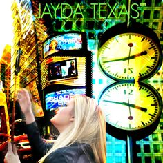 JAYDA TEXAS 16 year old singer/songwriter from Austin, Texas enjoying Time Square in New York.
