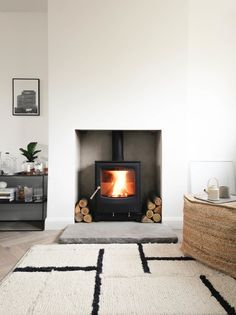 Hottest Absolutely Free Fireplace Hearth redo Tips Installing a wood burning stove – a step by step guide — Design Hunter Home Fireplace, Fireplace Design, Wood Stove Fireplace, Living Room Scandinavian, Wood Burning Stoves Living Room, Scandinavian Fireplace, Simple Fireplace, Fireplace Hearth, Freestanding Fireplace