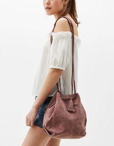 Modne torebki z sieciówek [wiosna-lato - Modne torebki z sieciówek [wiosna-lato - AKTUALIZACJA Pakistani Fashion Casual, Cute Bags, Vogue Fashion, Winter Fashion Outfits, Winter Accessories, Small Bags, Bucket Bag, Leather Bag, Purses And Bags