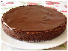 ...Un ripieno cremoso in una crosta croccante...il tutto sormontato da una glassa di cioccolato... Ingredienti: Crosta croccante: ...
