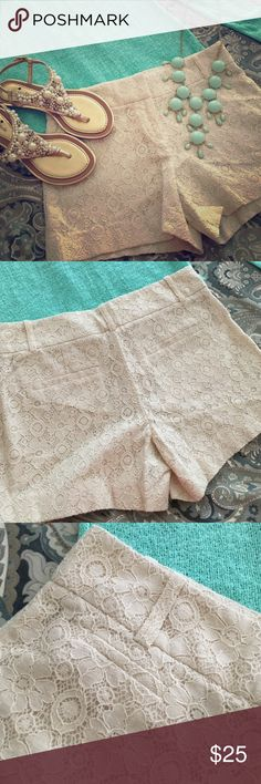 Ann Taylor LOFT cream lace shorts Sz 2 Authentic and like new! These Loft shirts are amazing, sweet and classic. Laying flat the waist measures 16 inches and the hips measure 18.5 inches. Please check out my closet for more amazing deals. I do bundle! Thank you for viewing my closet and happy shopping. 💕 LOFT Shorts