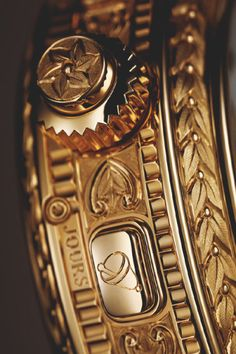 luxury watches for beginners Fancy Watches, Stylish Watches, Luxury Watches For Men, Cool Watches, Rolex Watches, Patek Philippe, Watches Photography, Watch Engraving, Hand Engraving