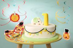 Bei dieser zauberhafter Elefanten Kuchen ist der Hingucker auf dem 1. Geburtstag.  • Foto & Styling: Thordis Rüggeberg, Foodproduktion: Eileen Greuel