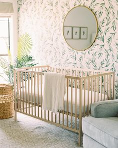 Natural wood + greenery in this chic gender neutral nursery? Image: Natural wood + greenery in this chic gender neutral nursery? Wood Nursery, Baby Nursery Decor, Project Nursery, Nursery Neutral, Nursery Design, Nursery Room, Baby Decor, Baby Girl Nursery Wallpaper, Baby Room