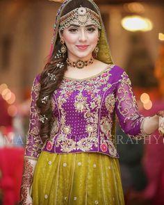 Pakistani Mehndi Dress, Pakistani Party Wear Dresses, Pakistani Bridal Makeup, Bridal Mehndi Dresses, Walima Dress, Shadi Dresses, Pakistani Wedding Outfits, Pakistani Dress Design, Pakistani Wedding Dresses