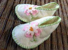 Baby shoes - felt
