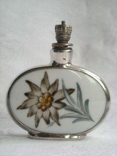 Art Deco Silver and Enamel Crown Top Perfume Bottle - 1920 Antique Perfume Bottles, Vintage Bottles, Chloe Perfume, First Perfume, Top Perfumes, Art Nouveau, Beautiful Perfume, Bottle Art, Glass Bottles