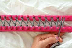 Lovin' From The Oven:DIY: How to use a Knitting Loom to make an Infinity Scarf  Wrap wool around prongs.             STEP 3