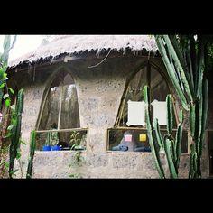 Love these windows.... Artist studio Nairobi 2012