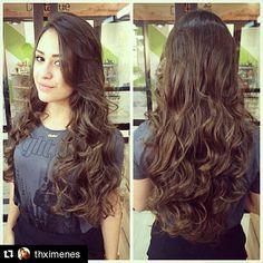 #Repost @thximenes ・・・ Nem só de cabelos curtos vive um profissional de sucesso!! Saber respeita a vontade da sua cliente e aliar a isso o seu conhecimento profissional.. Pode ser de grande ajuda para o sucesso... 💇💇💇 #UberBelezaeEstilo #uber #cortefeminino #cortelongo #tendencias #movimento #hairstyle #hair #instahair #esculpindocabelos