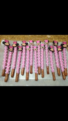 MINNIE MOUSE PRETZELS FOR AUBREES 1ST BIRTHDAY PARTY.