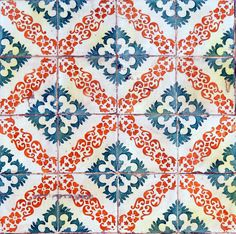 Visual poetry in the walls of Lisbon Tile Patterns, Textures Patterns, Print Patterns, Islamic Patterns, Geometric Patterns, Art Chinois, Painted Floors, Mosaic Tiles, Tiling