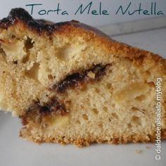 #Torta di #mele con cuore di #Nutella http://www.tribugolosa.com/ricetta-49734-torta-di-mele-con-cuore-di-nutella.htm