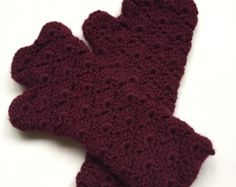 Etsy の Fingerless Gloves Arm Warmers by BrotherEarthBoutique