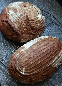 Roggenbauernbrot mit Sauerteig – ohne Hefe Rye bread with sourdough – without yeast # Baker prescription your time Baker Recipes, Baby Food Recipes, Healthy Dinner Recipes, Bread Recipes, Dessert Recipes, Drink Recipes, Rye Bread, Bread Rolls, Slow Food