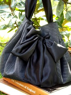 great tutorial for this bag made from a circle! (@ Morning by Morning Productions)