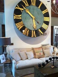 Gil: RELÓGIO, customizar, despertador, na cozinha, relógios bordados e até um de parede com tênis pode?