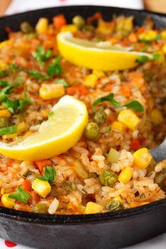 Skinny Beef Taco Rice Skillet Recipe (Weight Watchers Friendly) - A complete one pot meal done in 35 minutes.