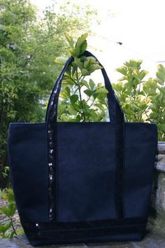 Glitter bag the tutorial naniecousette Coin Couture, Couture Sewing, Couture Bags, Sac Vanessa Bruno, Sacs Tote Bags, Diy Sac, Diy Bags Purses, Jute Bags, Denim Bag