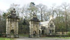 welbeck abbey nottinghamshire england medieval | Lion Gates, Welbeck Abbey, Worksop, Nottinghamshire : 1055195 ...