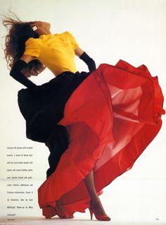 """Valentino : Pure Colour"", Vogue UK, October 1986 Photographer : Neil Kirk Model : Yasmin Le Bon"