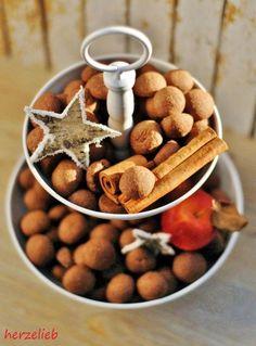 Schokoseufzer, Kekse, die schon vor Weihnachten schmecken. mein liebstes Plätzchen. http://herzelieb.de