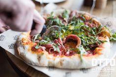 OTTO Pizza&Wine - это настоящая пицца в неаполитанском стиле! Пиццу мы готовим традиционным способом - в дровяной печи Morello Forni, специально привезённой из Италии! #pizzaotto #дровянаяпечь #пиццаиздровянойпечи #доставкавбалтийскойжемчужине #доставканастоящейпиццы #красносельскийрайон #балтийскаяжемчужина #матисовканал #ресторанотто #этопитердетка