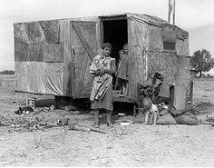 From Dorothea Lange Aragon, Vintage Photographs, Vintage Photos, Vintage Items, Old Pictures, Old Photos, Dorothea Lange Photography, Dust Bowl, Great Depression