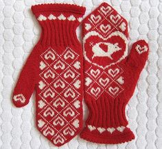 Fuente: http://www.justcraftyenough.com/2012/09/project-knit-flying-pig-mittens/